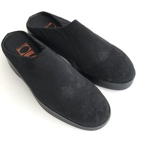 Inspired Soles by ArtEffects Black Clogs